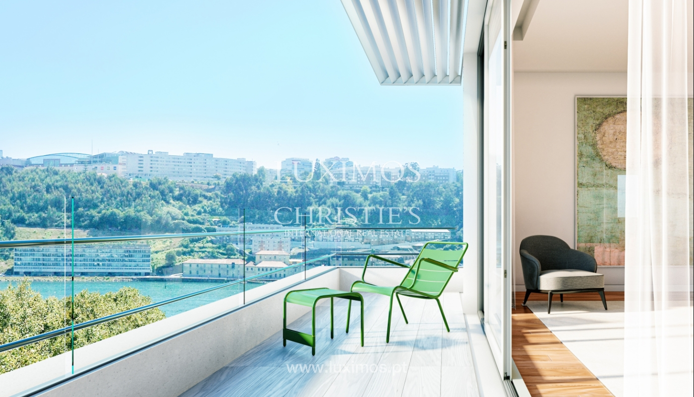 NEW 3-BEDROOM APARTMENT W/ BALCONY OVERLOOKING DOURO, PORTO, PORTUGAL_123845