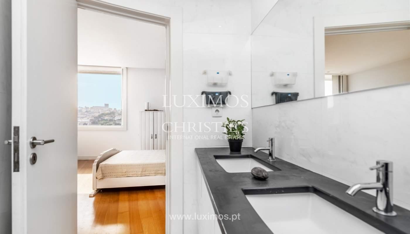 Venda de moradia de 3 pisos, com vistas rio, Baixa do Porto_125451