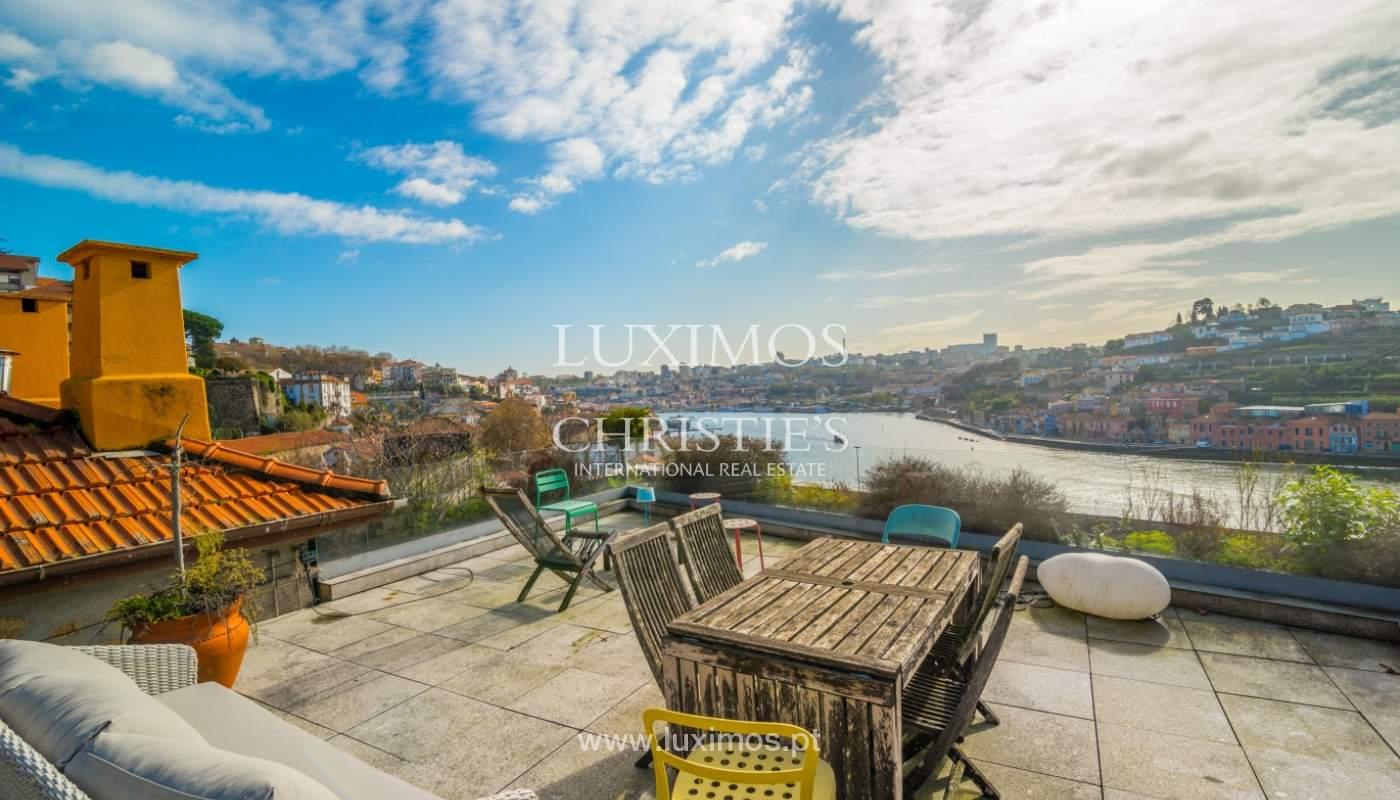 Venda de moradia de 3 pisos, com vistas rio, Baixa do Porto_125456