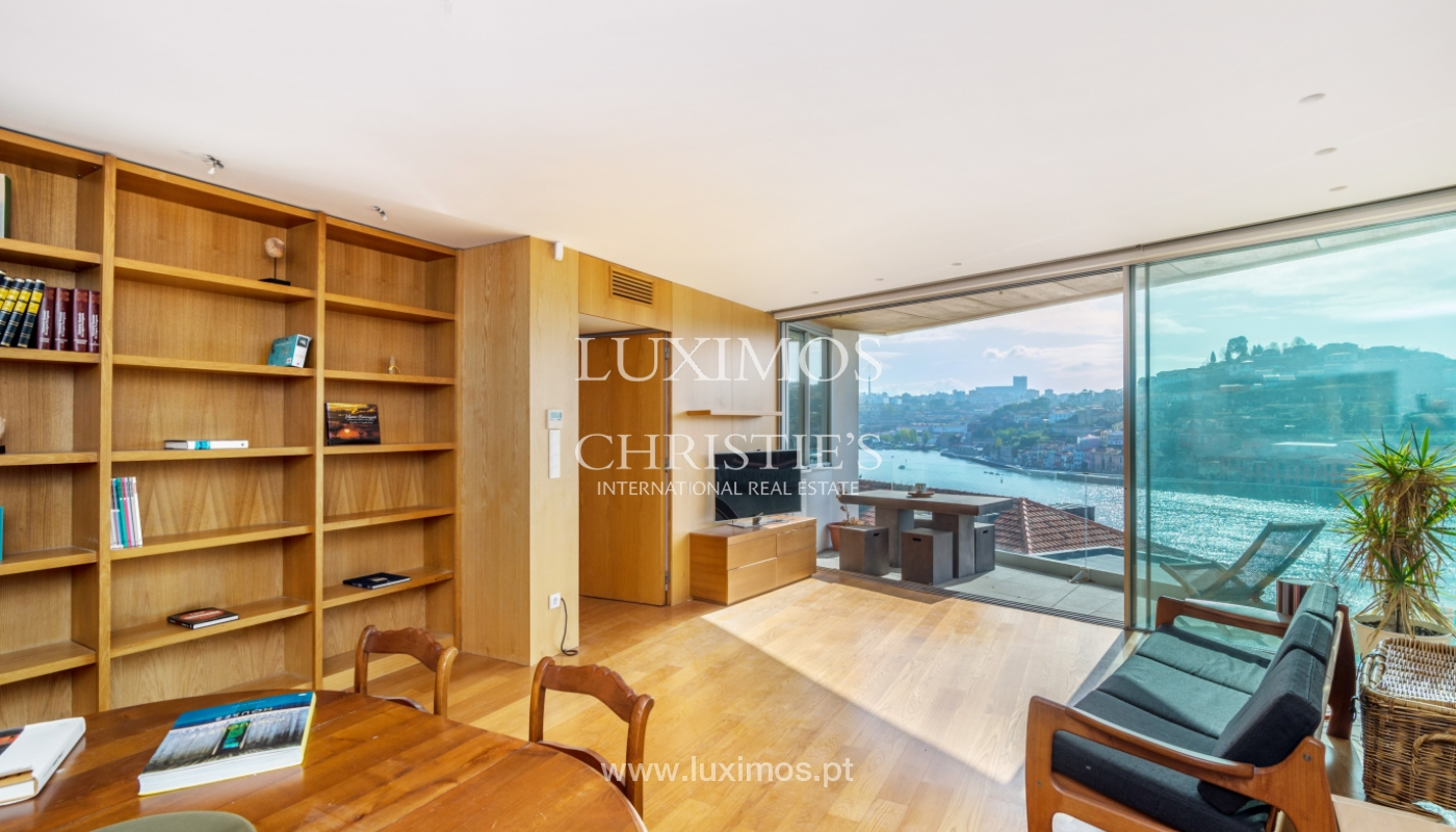 Venda de moradia de 3 pisos, com vistas rio, Baixa do Porto_125465