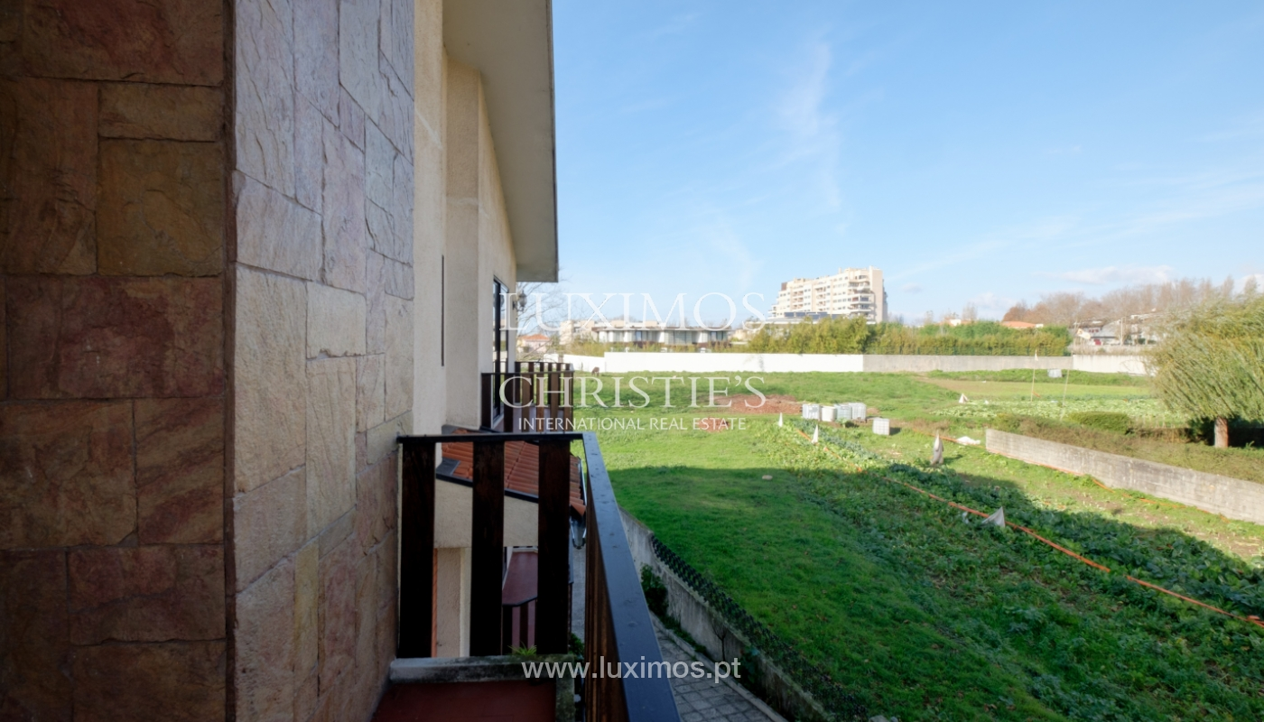 Sale of villa with garden and balconies, Foz do Douro, Portugal_126244
