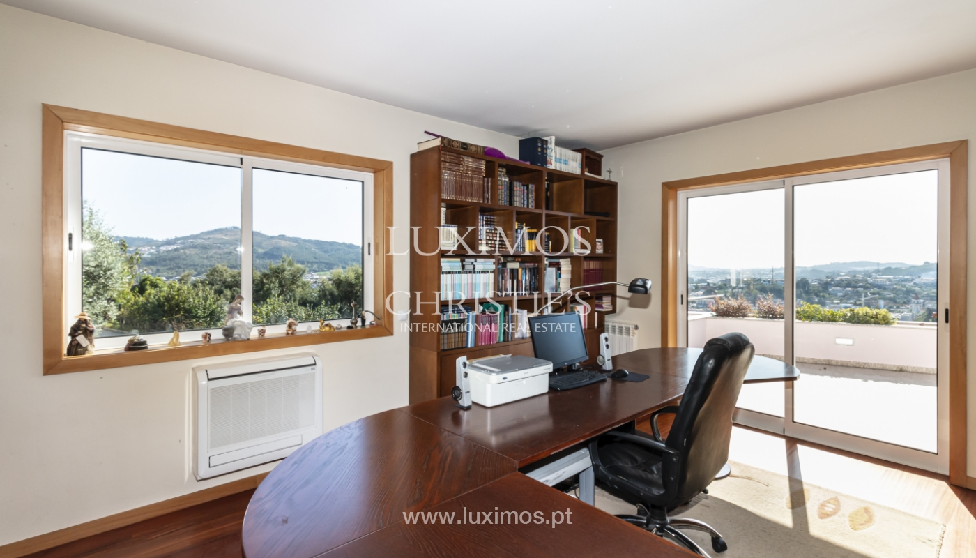 Sale of villa with swimming pool, lake and playground, Vizela, Portugal_126261