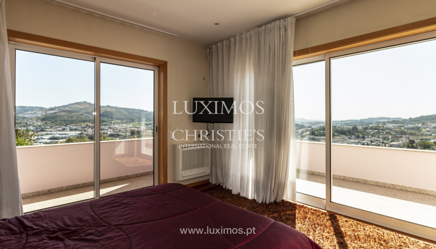 Sale of villa with swimming pool, lake and playground, Vizela, Portugal_126274