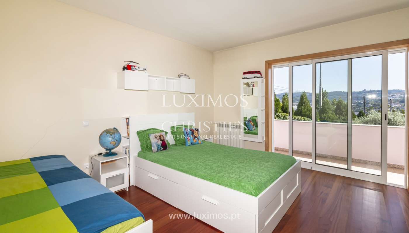 Sale of villa with swimming pool, lake and playground, Vizela, Portugal_126277