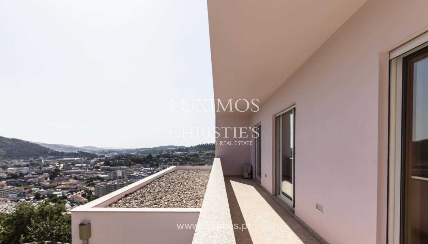 Sale of villa with swimming pool, lake and playground, Vizela, Portugal_126281