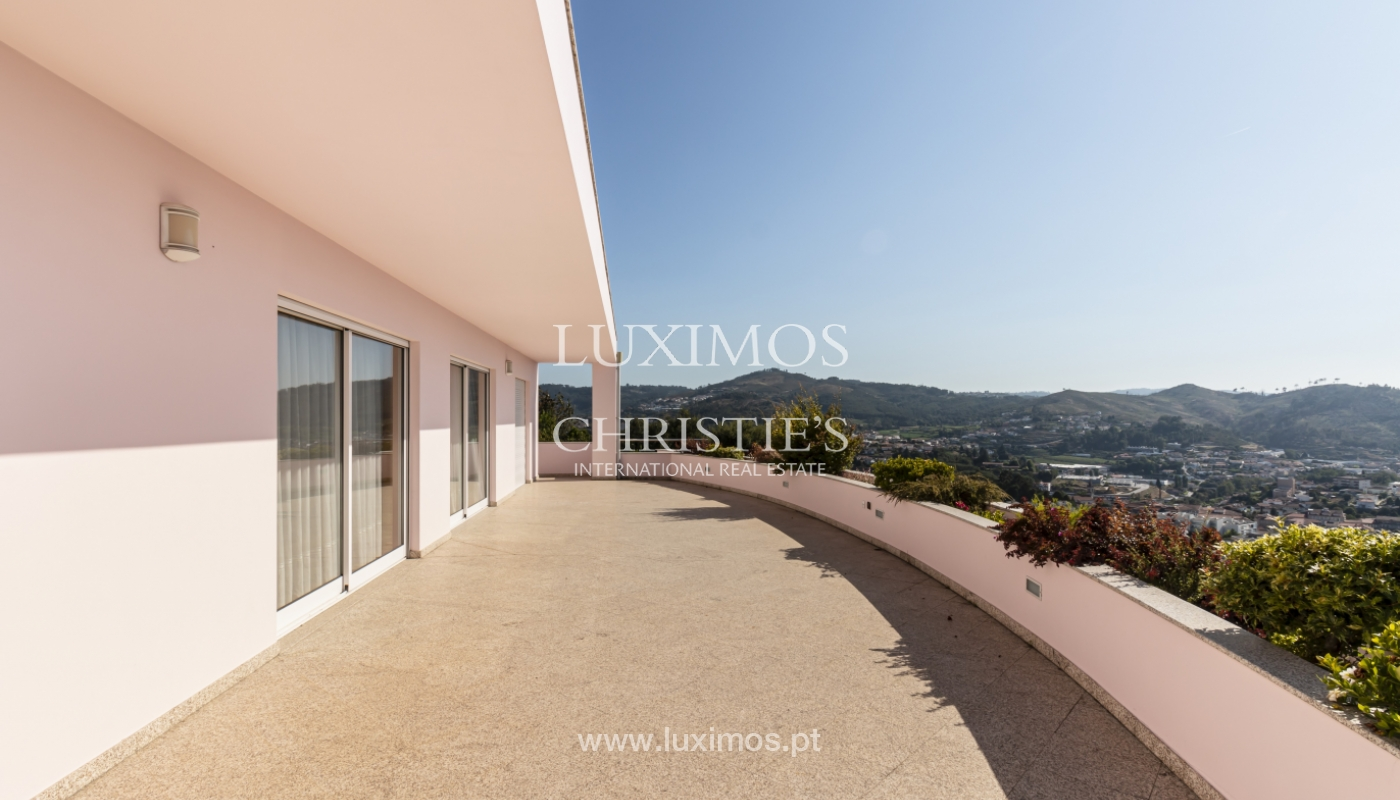 Sale of villa with swimming pool, lake and playground, Vizela, Portugal_126300
