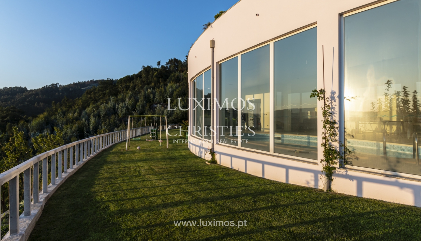 Sale of villa with swimming pool, lake and playground, Vizela, Portugal_126306