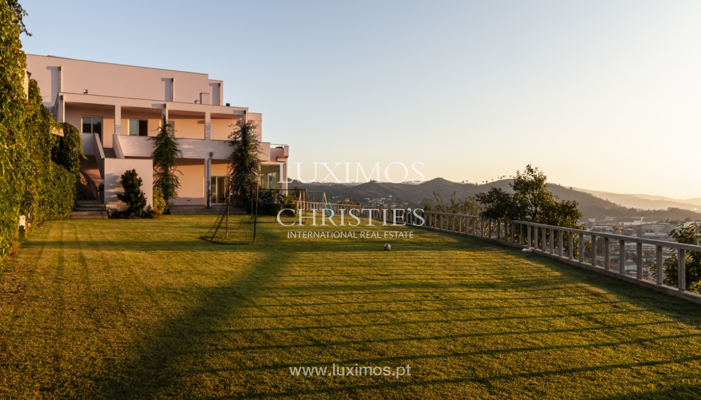 Sale of villa with swimming pool, lake and playground, Vizela, Portugal_126310