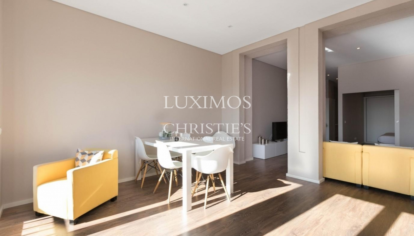 Sale of refurbished apartment, with terrace, Porto, Portugal_126544