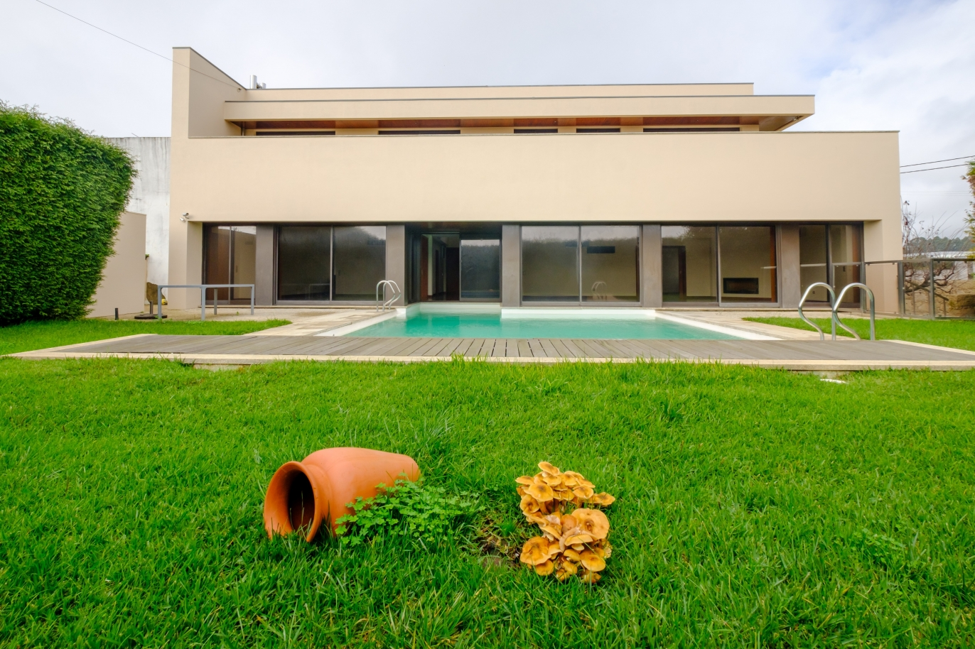 luxury-villa-for-sale-with-garden-and-pool-maia-porto-portugal