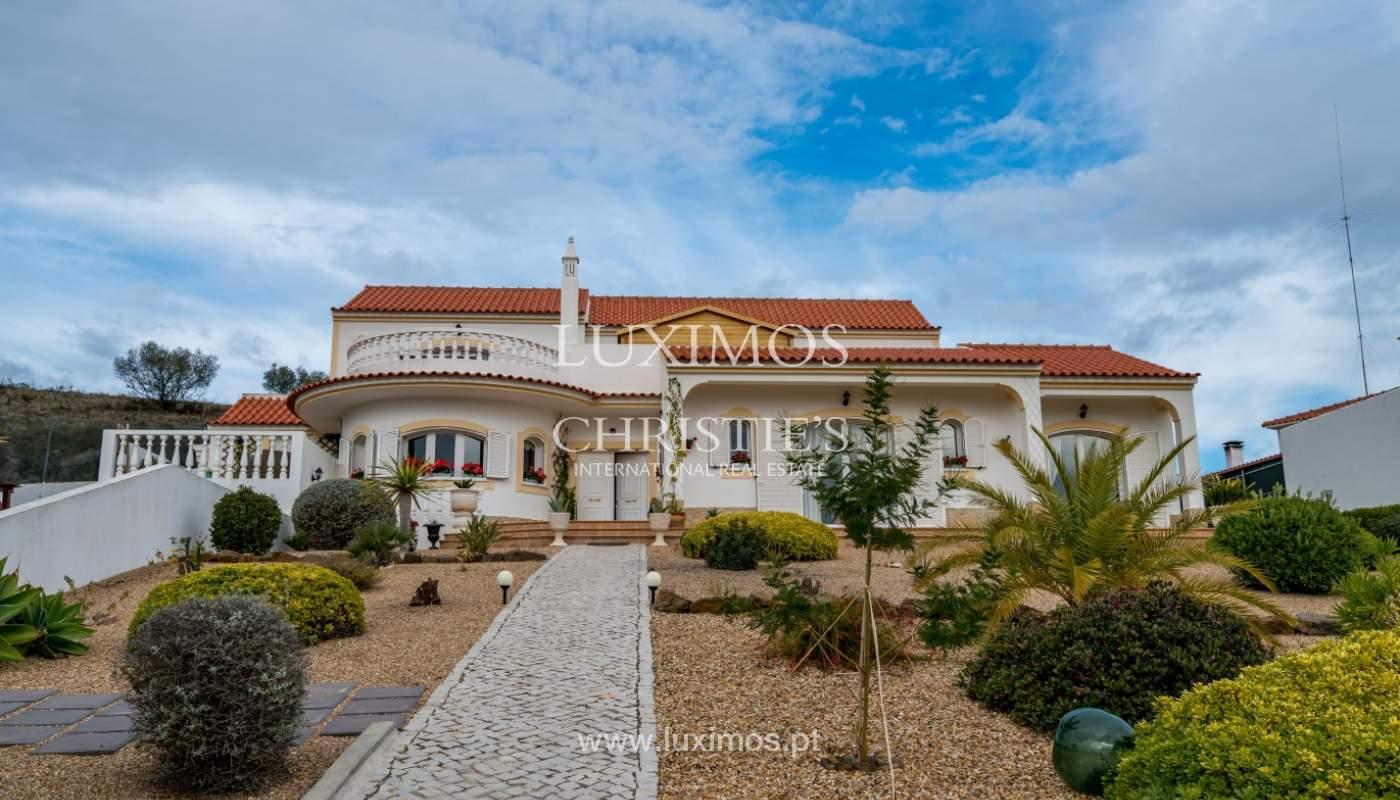 Venda de moradia com piscina e jardim em Castro Marim, Algarve_127352