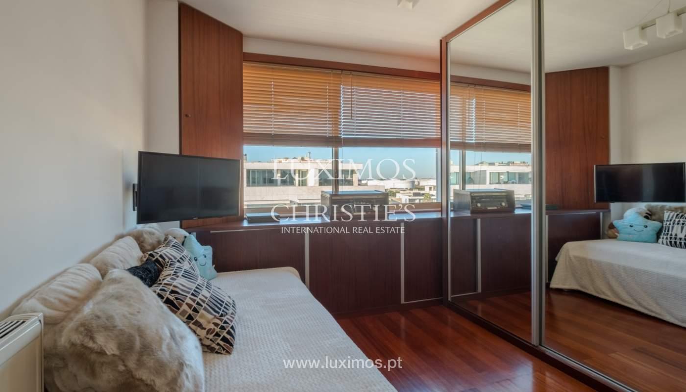 Penthouse w/ balcony for sale, 1st line of sea, Leça Palmeira, Portugal_127461