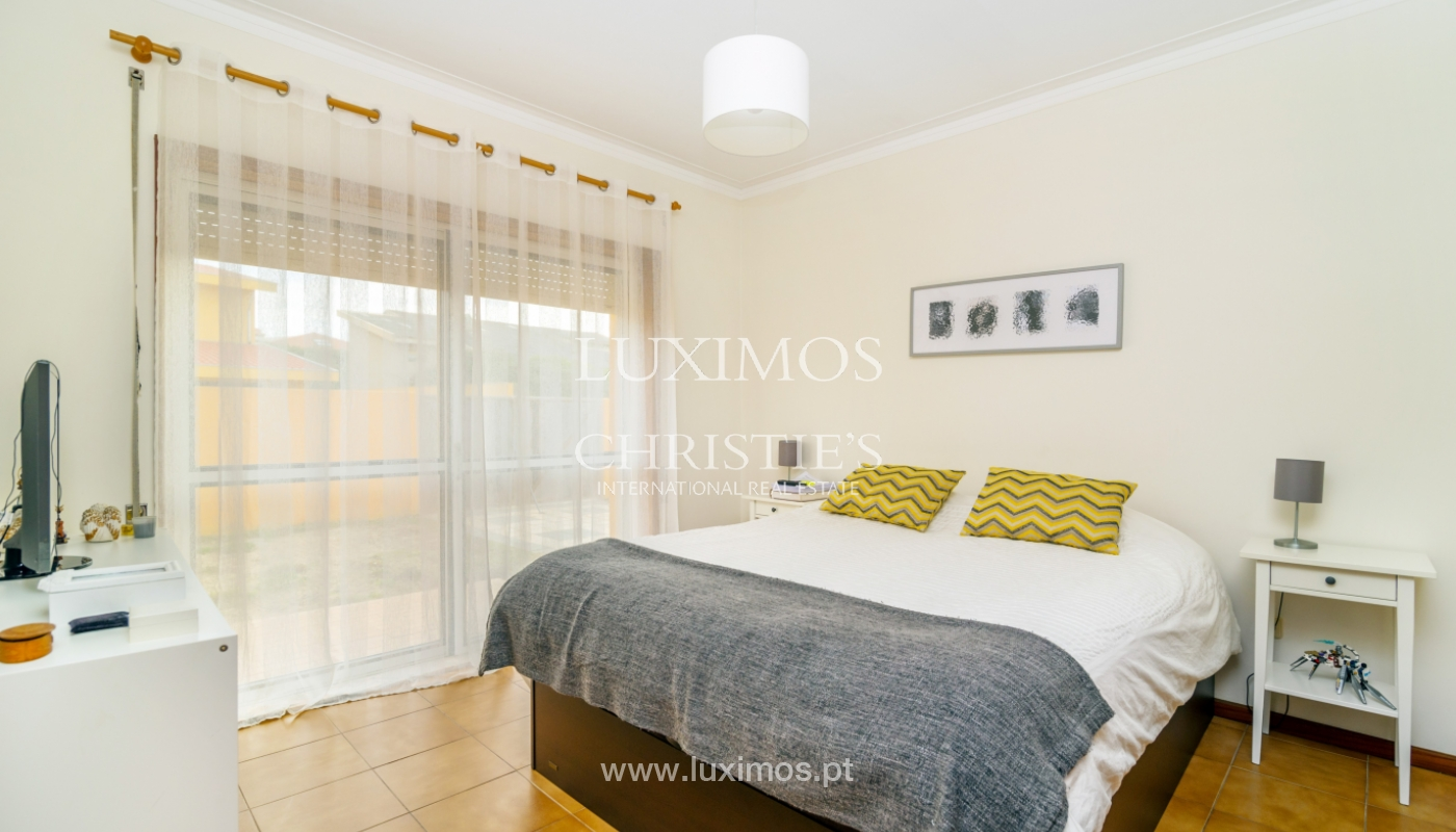 Sale of villa with swimming pool, in 1st line of sea, Mindelo, Portugal_127706