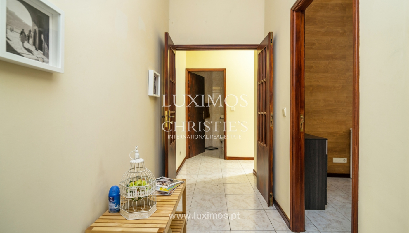 Sale of building in the historical center of Porto, Portugal_127732
