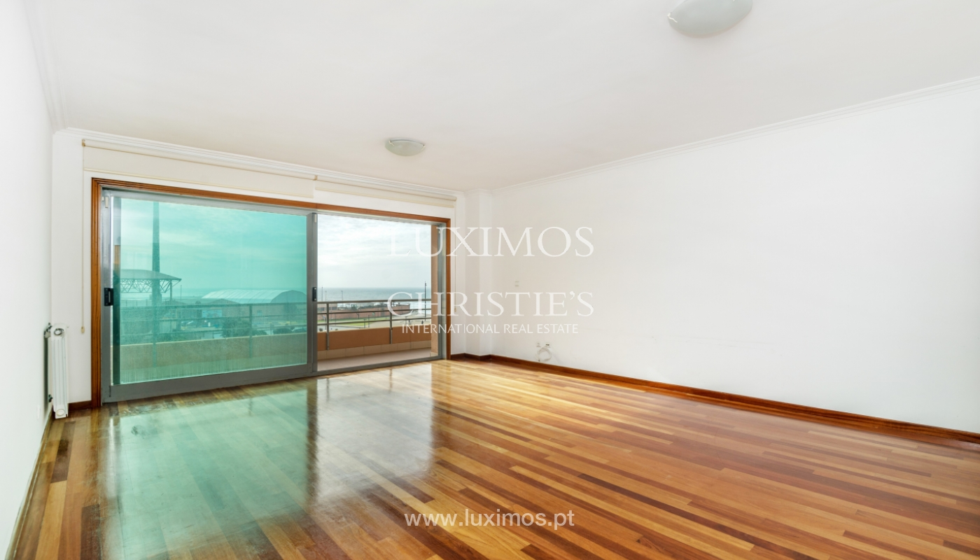 Sale of modern apartment with ocean views, Póvoa de Varzim, Portugal_128176