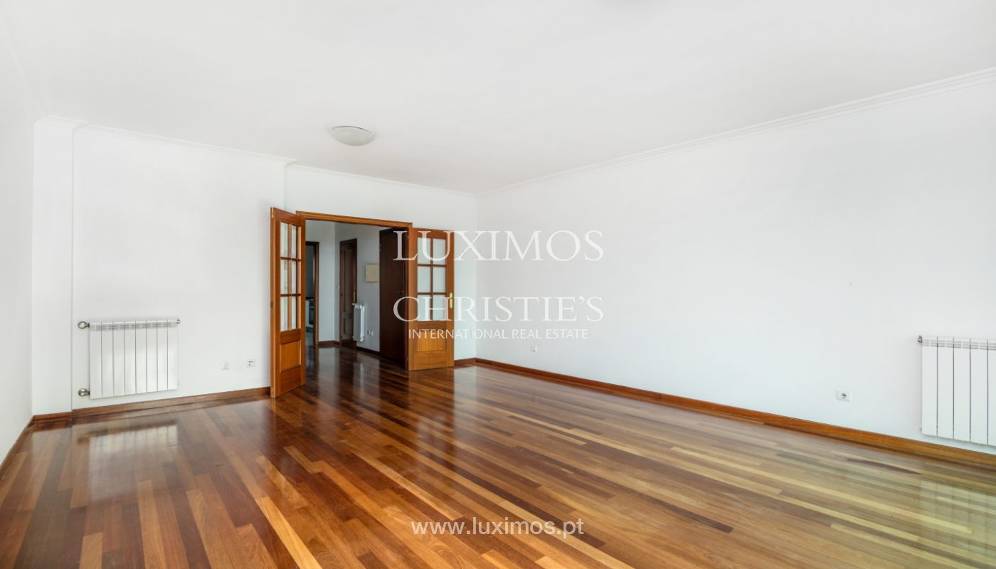 Sale of modern apartment with ocean views, Póvoa de Varzim, Portugal_128178