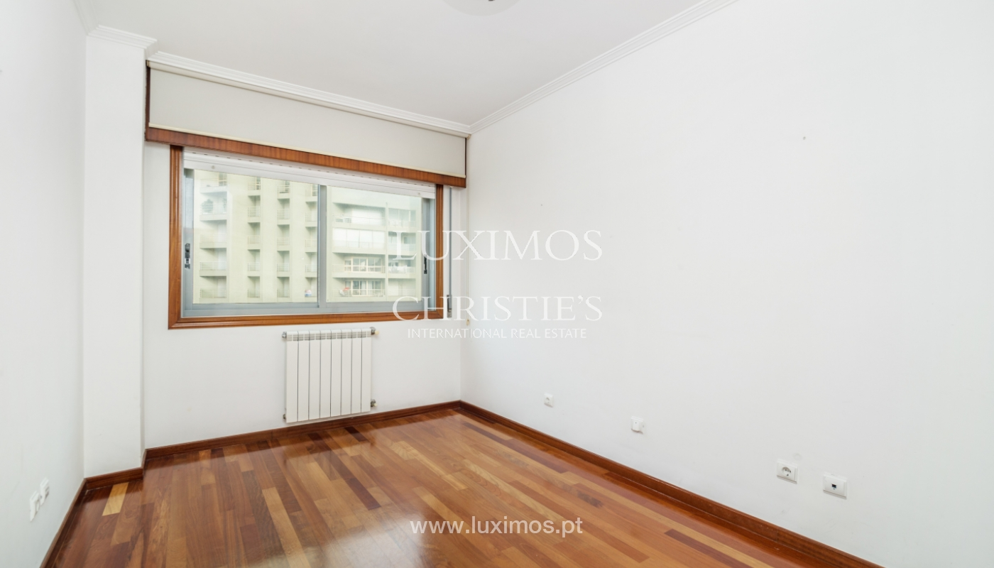 Sale of modern apartment with ocean views, Póvoa de Varzim, Portugal_128187
