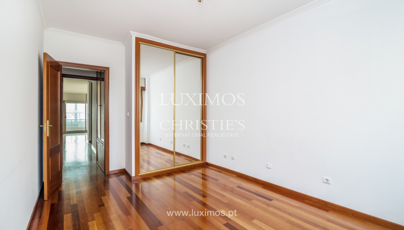 Sale of modern apartment with ocean views, Póvoa de Varzim, Portugal_128188