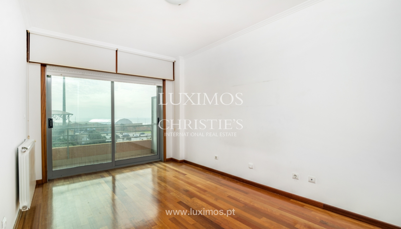 Sale of modern apartment with ocean views, Póvoa de Varzim, Portugal_128193