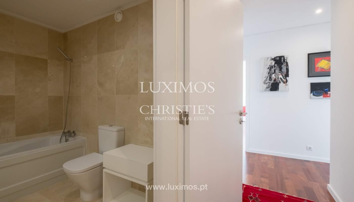 Apartamento novo e moderno, com vistas mar, no Porto, junto à Boavista_128301