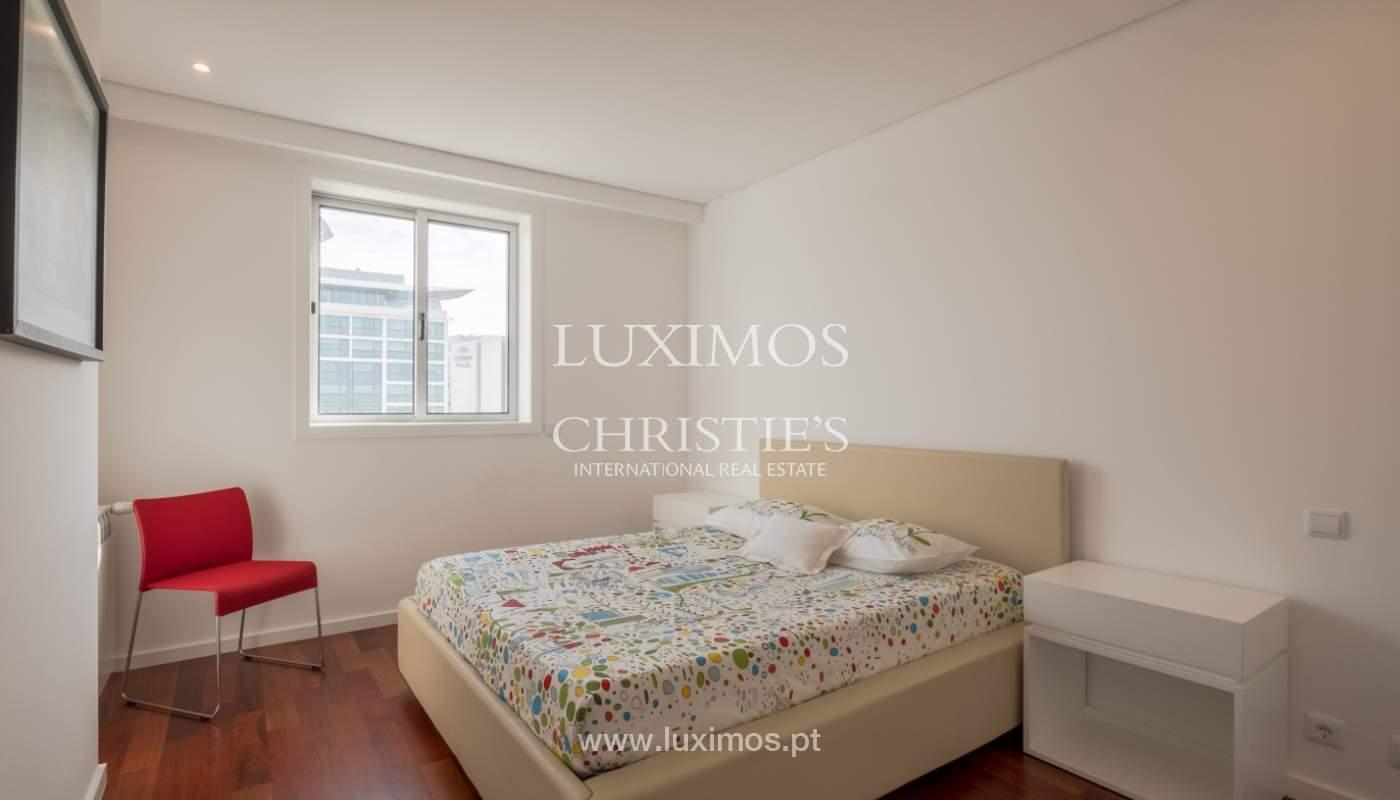 Apartamento novo e moderno, com vistas mar, no Porto, junto à Boavista_128309
