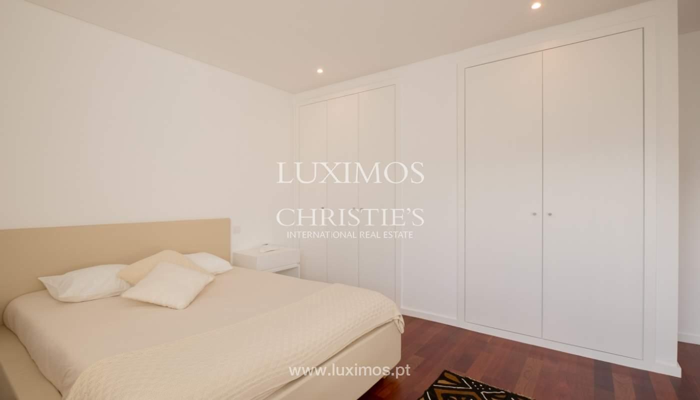 Apartamento novo e moderno, com vistas mar, no Porto, junto à Boavista_128315