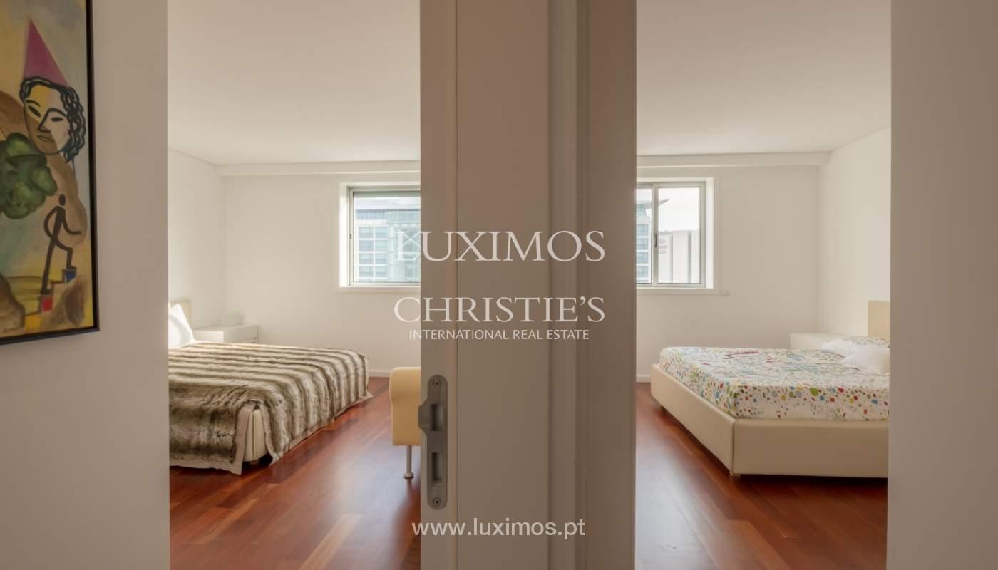 Apartamento novo e moderno, com vistas mar, no Porto, junto à Boavista_128318