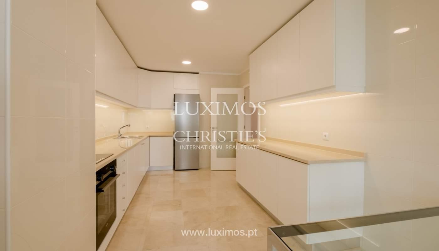 Apartamento nuevo y moderno, en venta en Porto, cerca Boavista, Portugal_128408