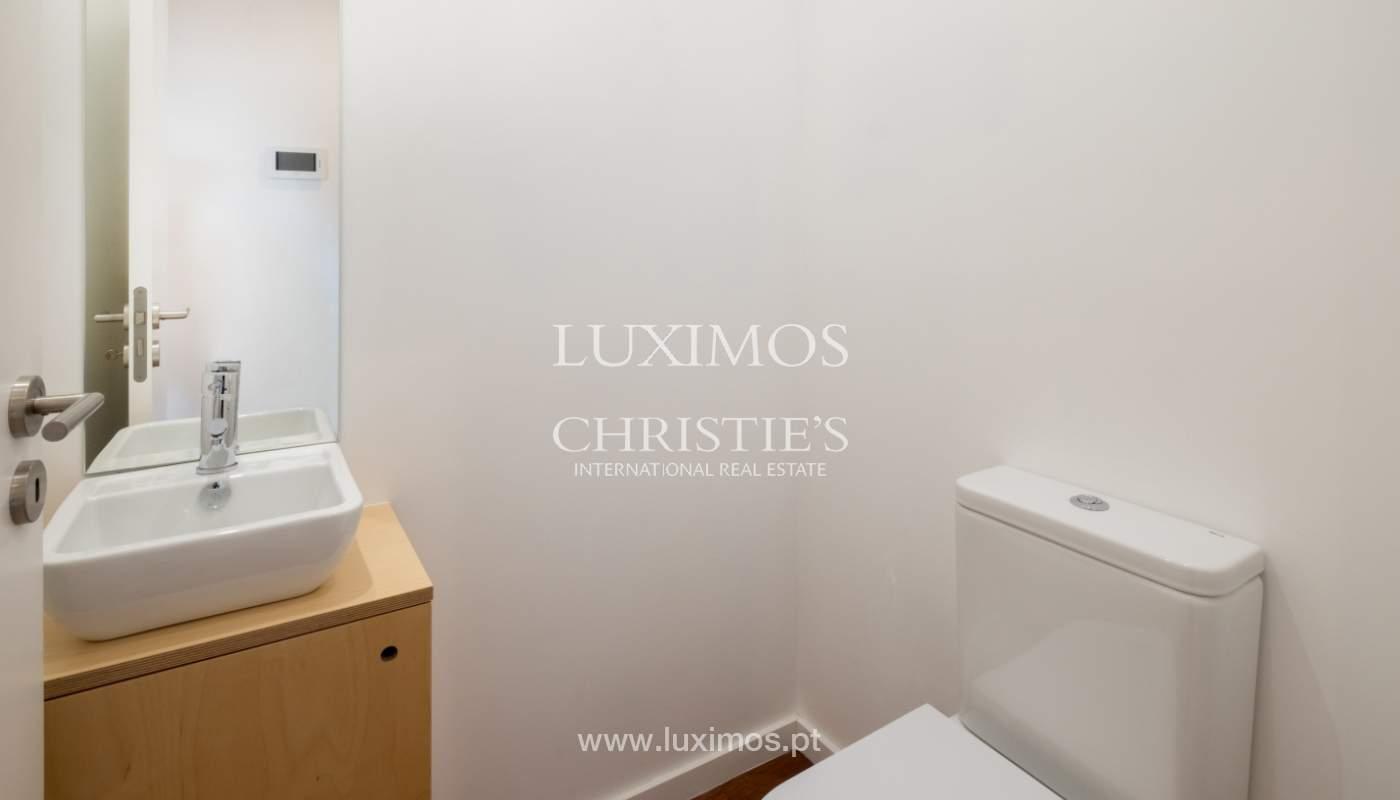 Apartamento novo e moderno, com vistas mar, no Porto, junto à Boavista_128449