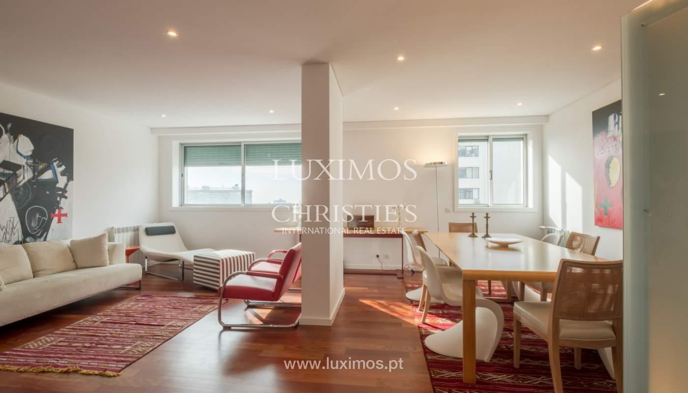 Apartamento novo e moderno, com vistas mar, no Porto, junto à Boavista_128463