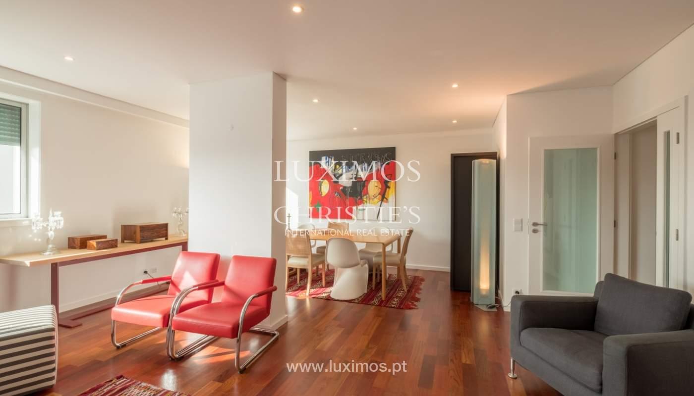 Apartamento novo e moderno, com vistas mar, no Porto, junto à Boavista_128465