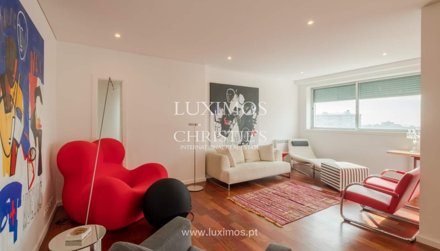 Apartamento novo e moderno, com vistas mar, no Porto, junto à Boavista_128467