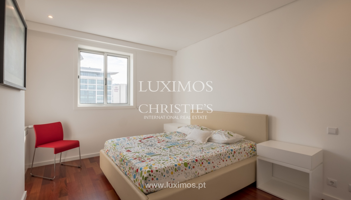 Apartamento novo e moderno, com vistas mar, no Porto, junto à Boavista_128504