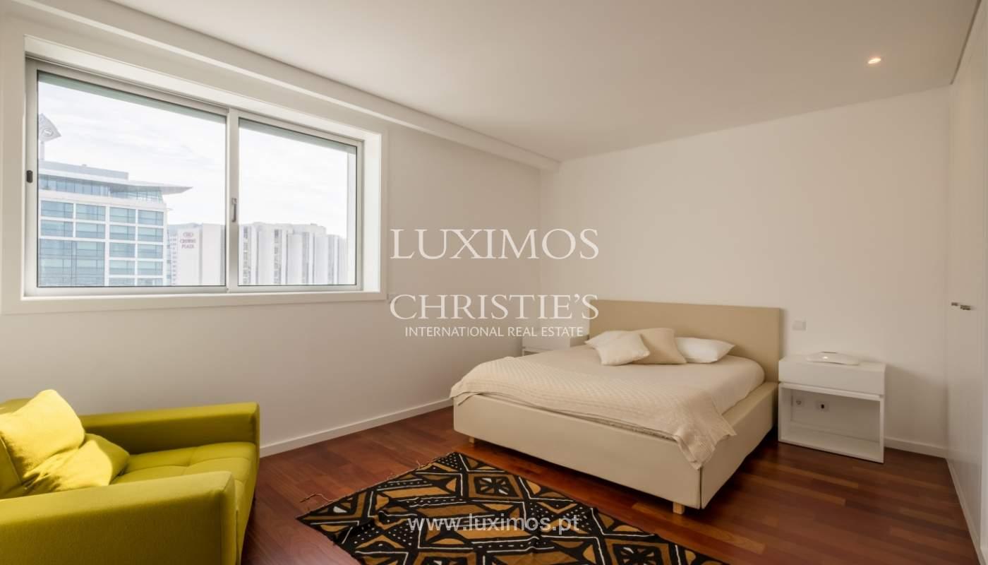Apartamento novo e moderno, com vistas mar, no Porto, junto à Boavista_128506