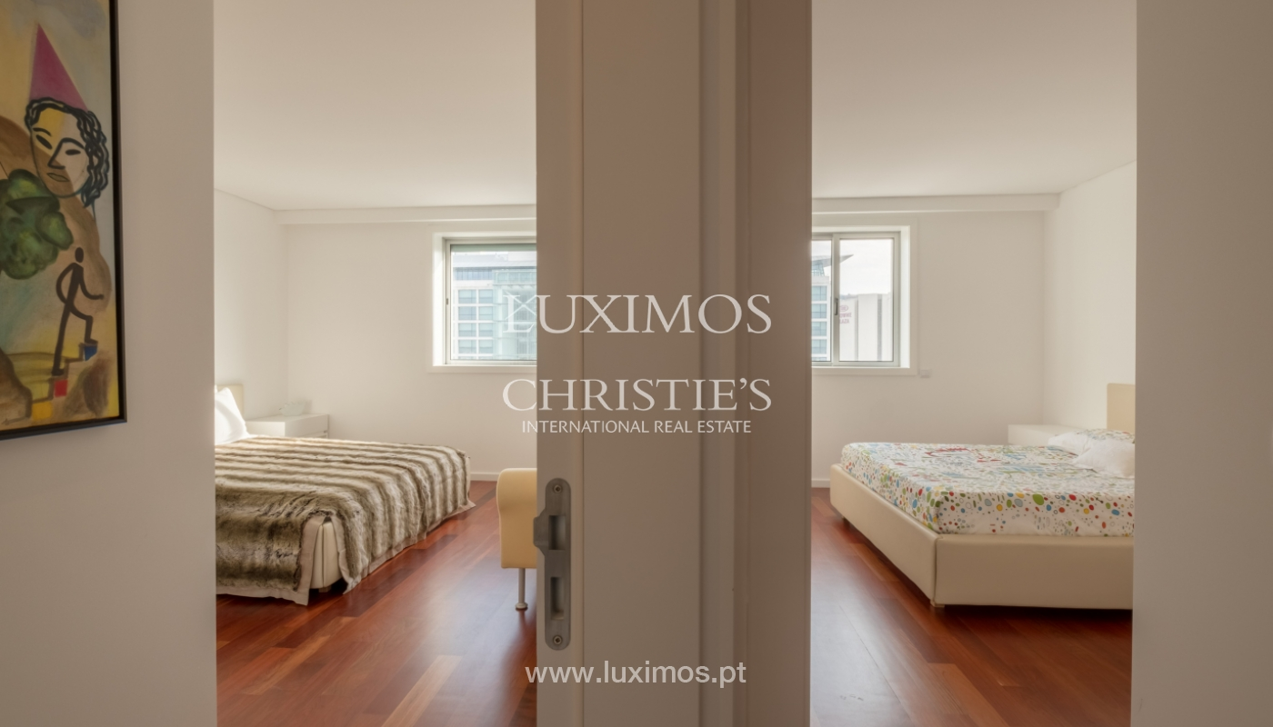 Apartamento novo e moderno, com vistas mar, no Porto, junto à Boavista_128515