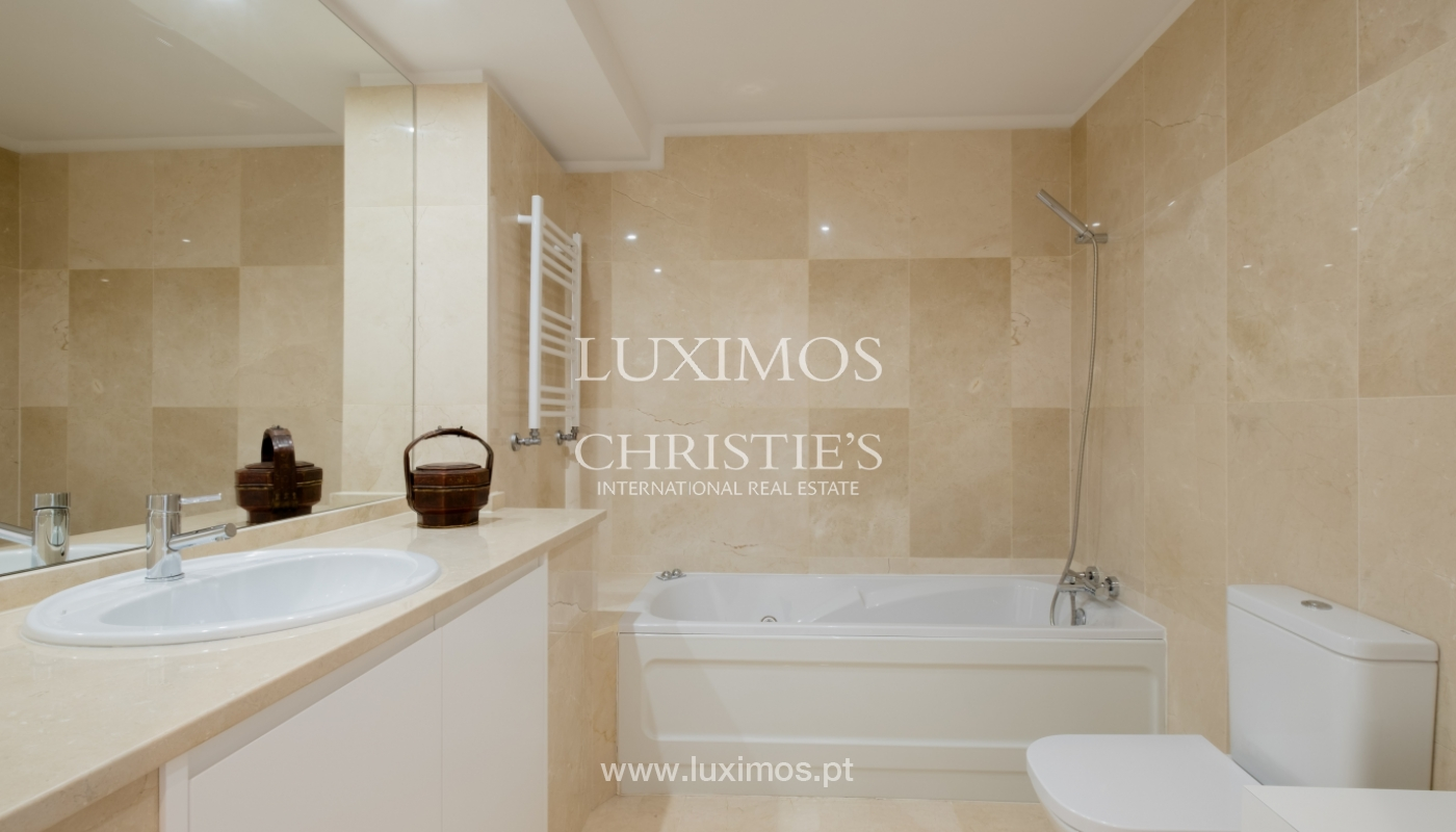 Appartement neuf et moderne, à vendre à Porto, près Boavista, Portugal_128822