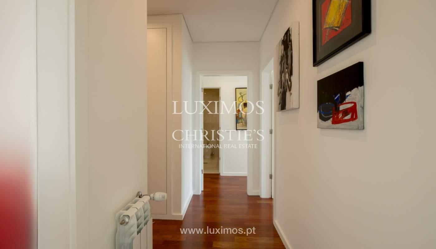 Appartement neuf et moderne, à vendre à Porto, près Boavista, Portugal_128838
