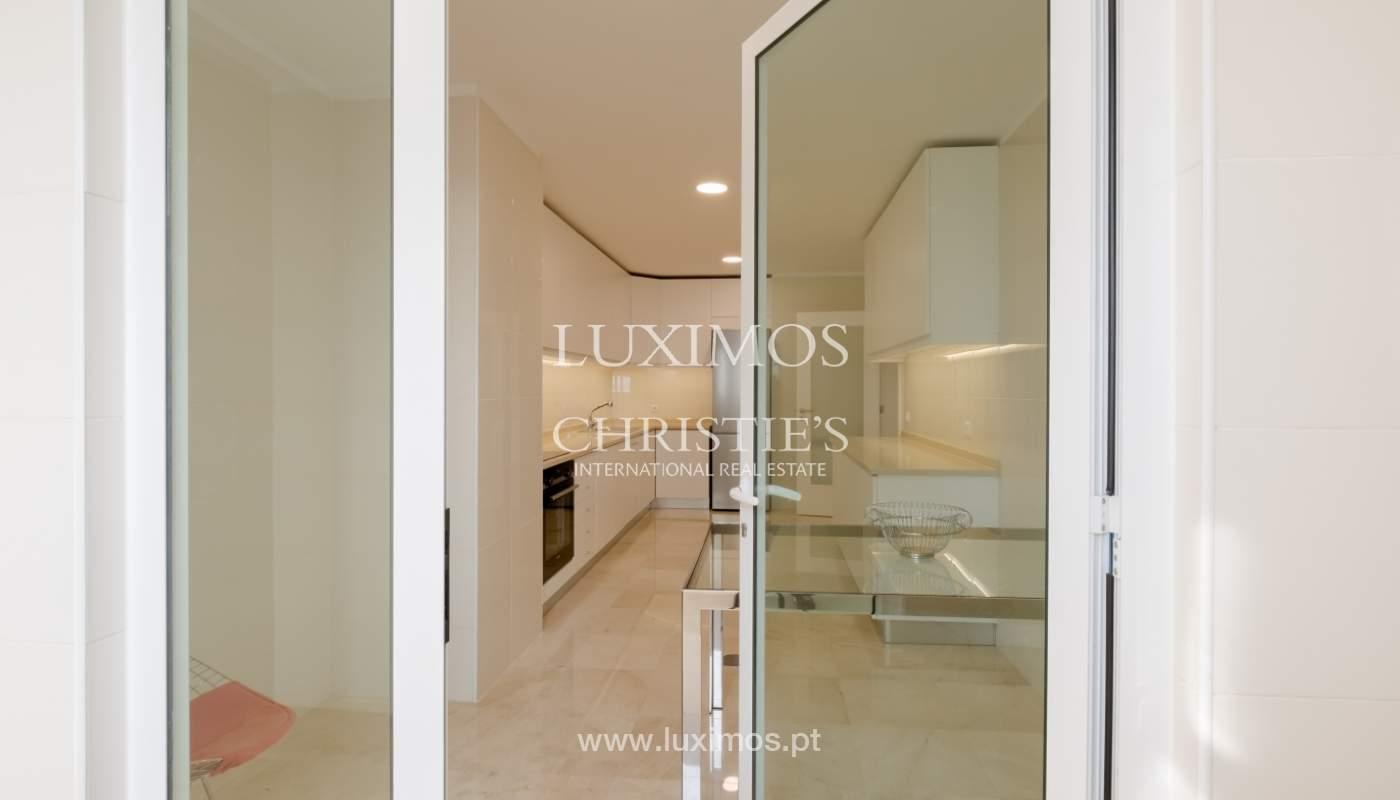Appartement neuf et moderne, à vendre à Porto, près Boavista, Portugal_129058