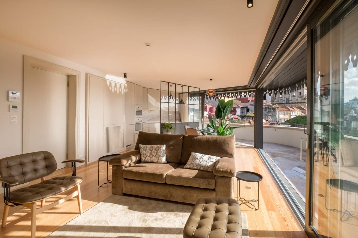 venda-de-penthouse-de-luxo-na-baixa-do-porto-portugal