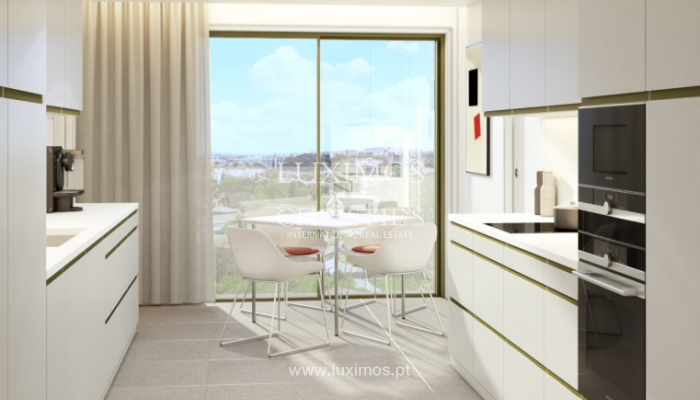 Sale of new apartment T4 with balcony, Pinhais da Foz, Porto, Portugal_129444