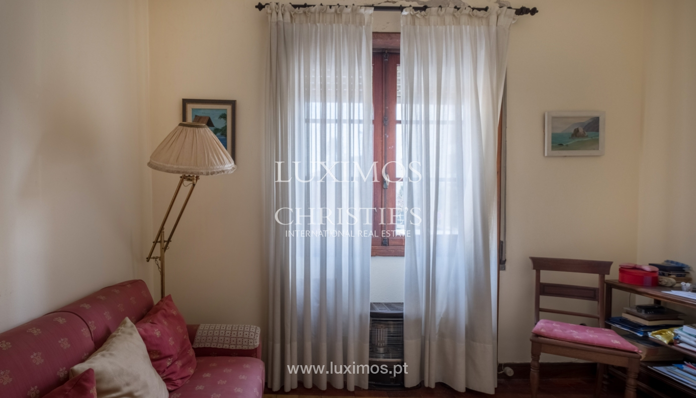 Sale of house with garden space, in prime area of Porto, Portugal_130792
