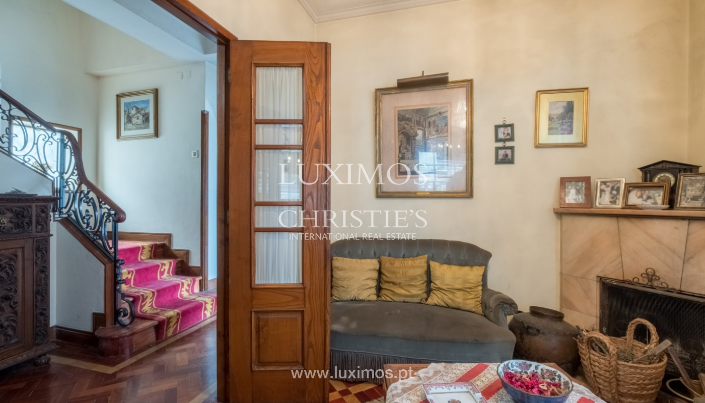 Sale of house with garden space, in prime area of Porto, Portugal_130795