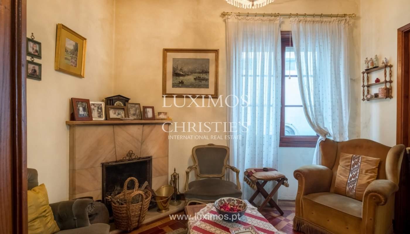 Venda de moradia com espaço ajardinado, em zona nobre do Porto_130796