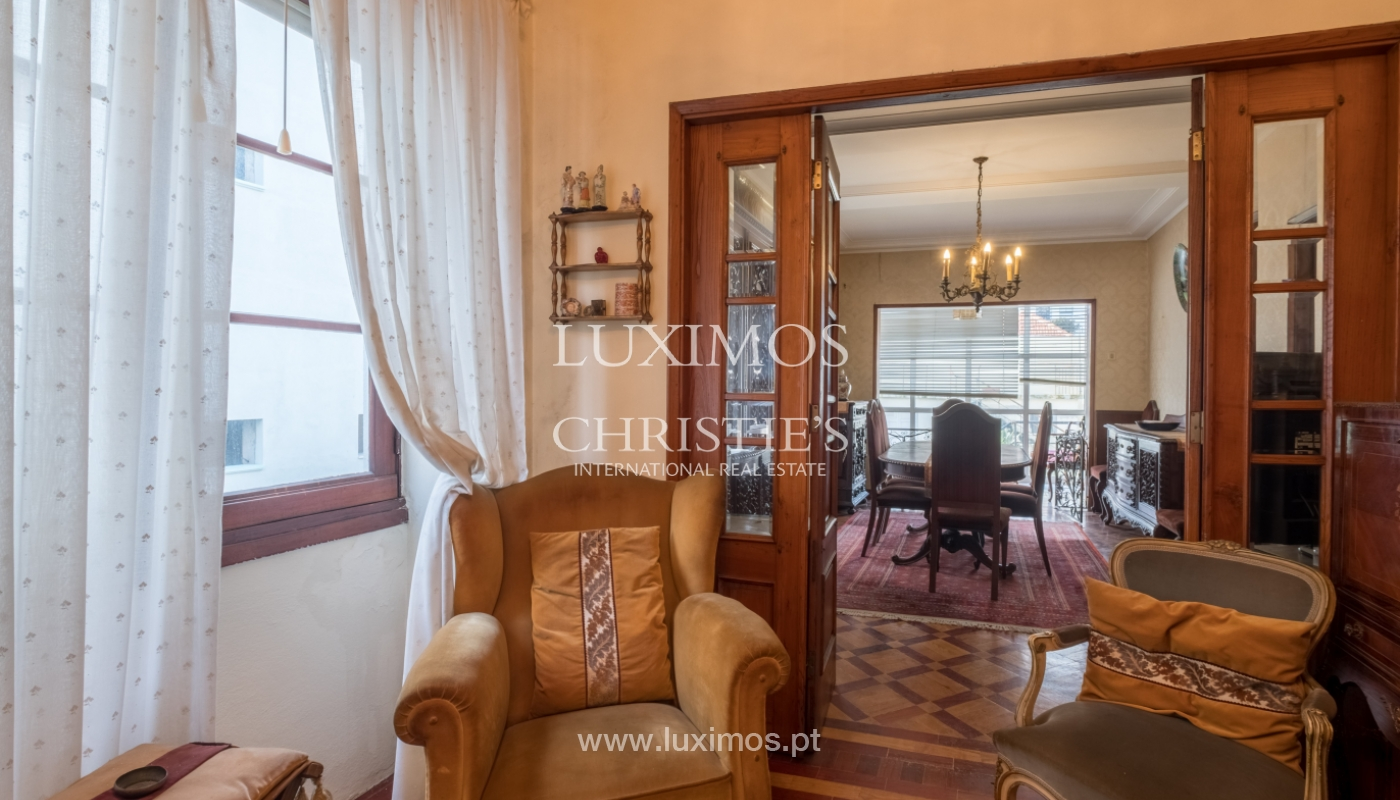 Sale of house with garden space, in prime area of Porto, Portugal_130797