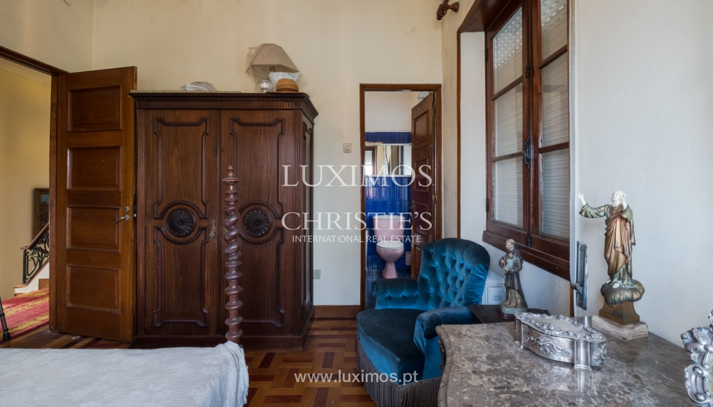 Sale of house with garden space, in prime area of Porto, Portugal_130807