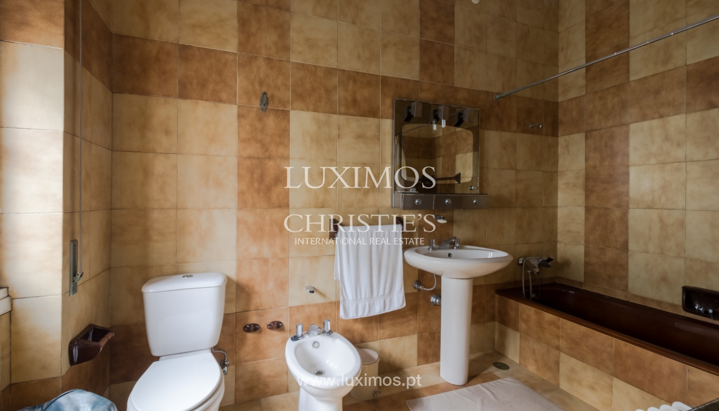 Sale of house with garden space, in prime area of Porto, Portugal_130816