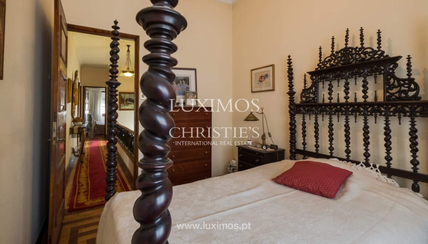Venda de moradia com espaço ajardinado, em zona nobre do Porto_130822