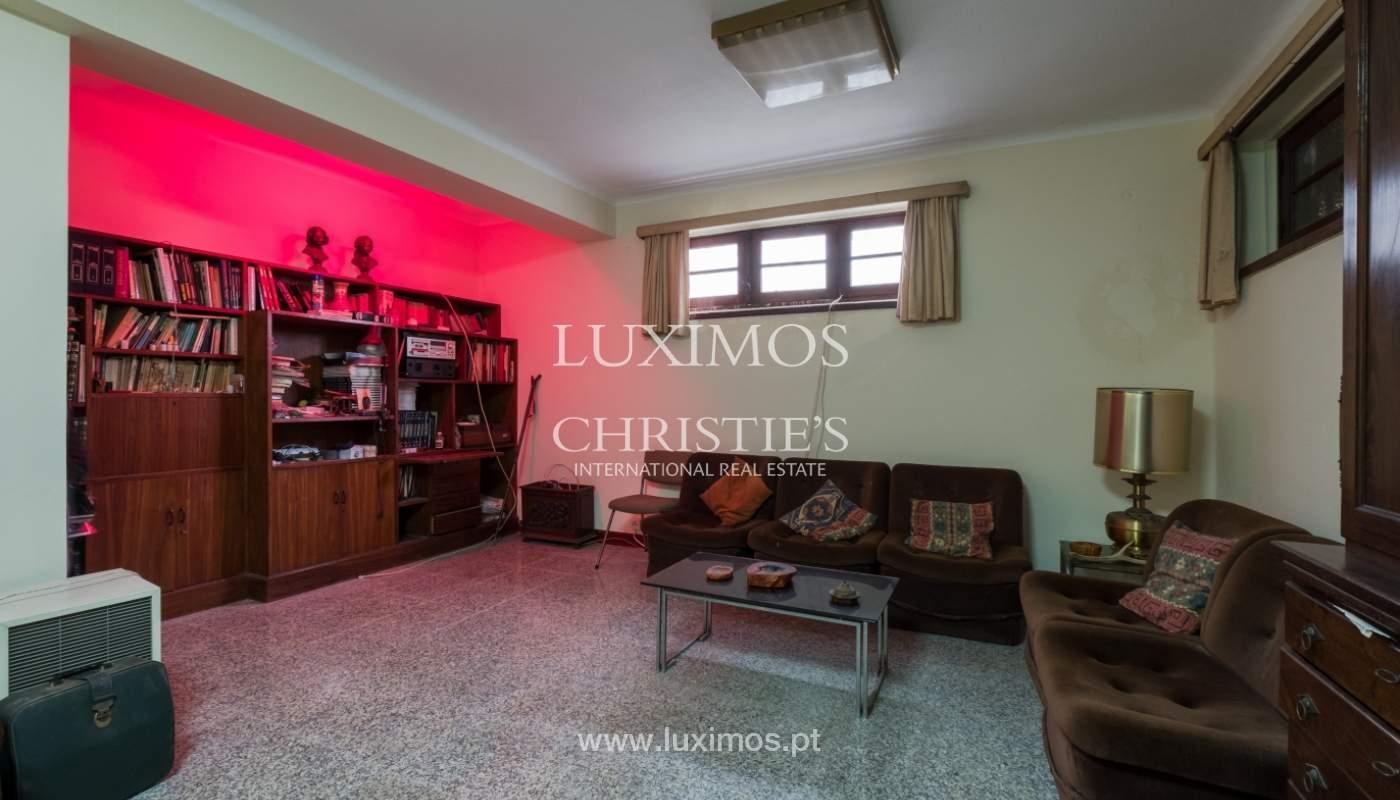 Venda de moradia com espaço ajardinado, em zona nobre do Porto_130830