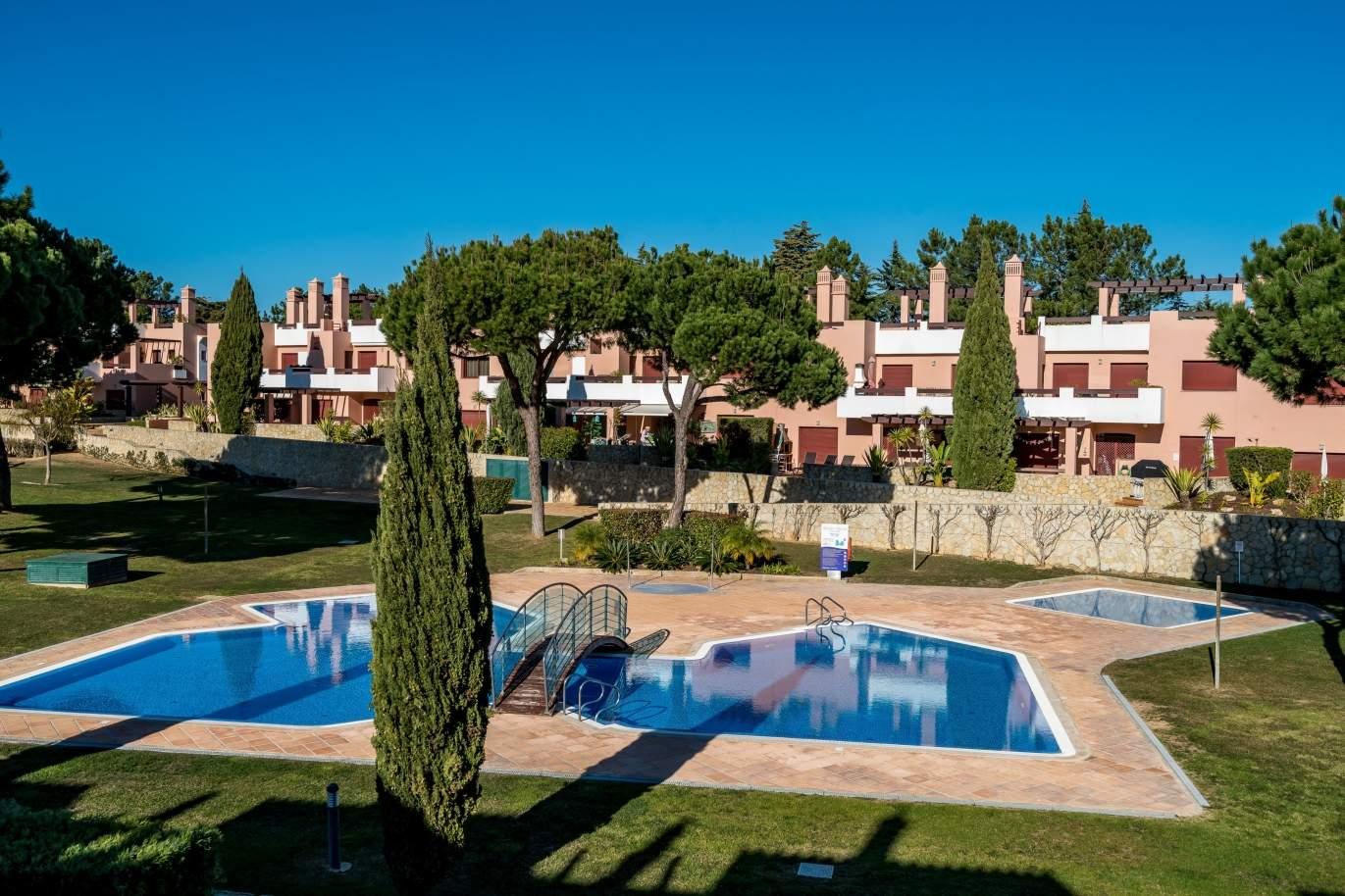 venda-de-moradiacondominio-privado-piscina-comumvila-sol-algarve