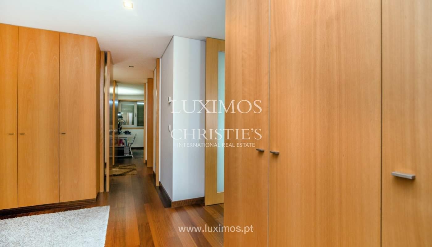 Fantastische Wohnung mit Flussblick in privater Eigentumswohnung, Porto, Portugal_131837